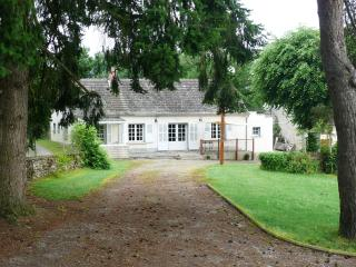 Superb 3 bedroom Cottage, equipped kitchen with shower room and separate toilet