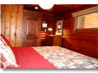 Chambre 2 avec un lit king