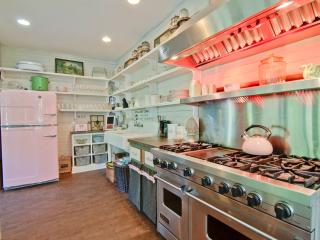 gourmet kitchen / WITH VIKING STOVE AND PINK FRIDGE!!