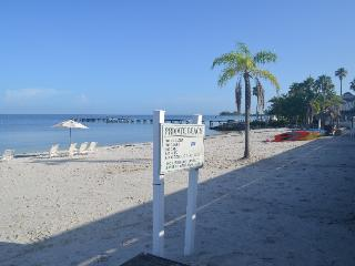 Waterfront-gulf access  2 bdr. 1.5 bth. home,#429 w. Private Beach,Tampa Bay