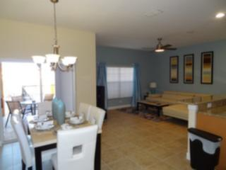 BEST PRICE TROPICAL OASIS RESORT PARADISE PALMS, Kissimmee