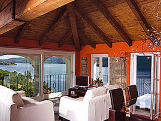 Villa L'Antica Colonia on Lake Orta: attic for 2 people, Pettenasco