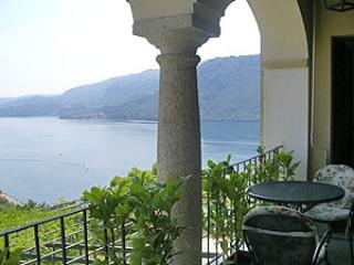 Villa L'Antica Colonia on Lake Orta: suite for 4 p