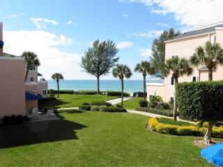 Updated Ocean View Condo at Sand Cay Beach, Longboat Key