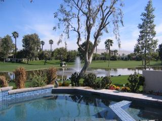 THREE BEDROOM VILLA /POOL & SPA ON SOUTH NATOMA - VPS3SOM, Palm Springs