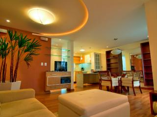 A beautiful 2 bed/2 bath Townhome at Praia Mole!, Florianopolis