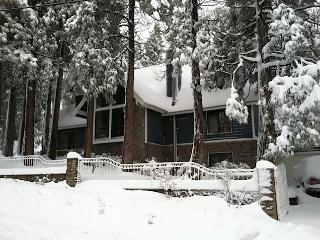 RENTERS PARADISE!!! 5Br 5.5Ba, Large Jacuzzi/Sauna, Lake Arrowhead
