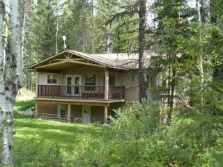 Rosebud Cottage is the perfect getaway, Salmo