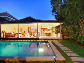 VILLA 'CAMELOT BALI'Affordable Luxury 3 bedroom