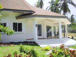 Vacation beach house for rent  Dauin, Philippines.