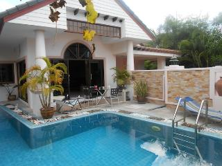 House 4 bedroom In  Gated village Thailand