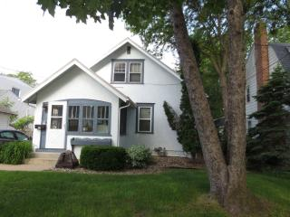 Short Term Rental 3 Blocks from Mayo Clinic, Rochester