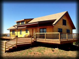 The Mustang Mesa Cabin! 3BR -Secluded & Majestic!, Blanding