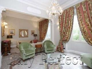 Perfect Roman Luxury Living - Beautiful Large-Washer-Dryer- Elegante Apartment
