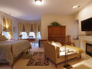 Luxurious Bed and Breakfast in Oak Park, IL