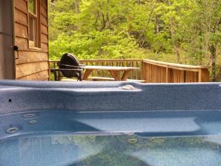 Private Hot Tub by the Creek