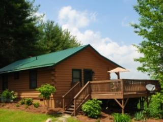 Top O' The Morning-Romantic cabin with hot tub, Jefferson