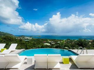 4 Bedroom, 4 Bath Beautiful Contemporary Villa above Orient Bay, St. Maarten-St. Martin