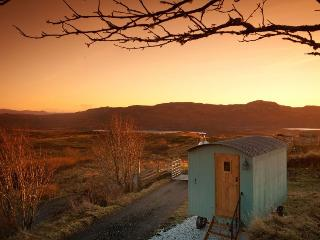 Skye Shepherd Huts BOTHAN BEILEAG-unique peaceful, Ord