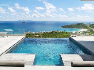 Crystal - Chic and modern 3 Bedroom villa with amazing views of the ocean!, St. Maarten-St. Martin