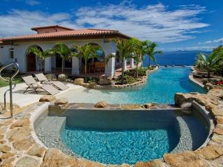 VillaRosa: Beautiful 4 Bedroom Villa with amazing views | Island Properties, St. Maarten-St. Martin