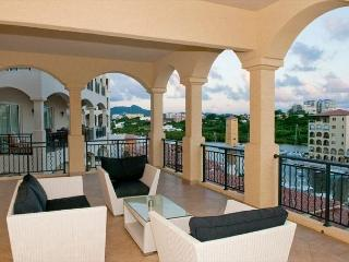 Luxury, hip 2 bedroom, 2.5 bath residence in Porto Cupecoy!, St. Maarten-St. Martin