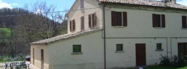 Camagagno - Large farmhouse with 12 sleeps