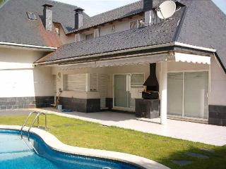 House with swinning pool 20 min beach Barcelona f, Corbera de Llobregat
