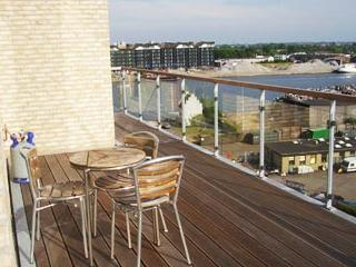 Luxury Penthouse Apartment With 3 Balconies - 305