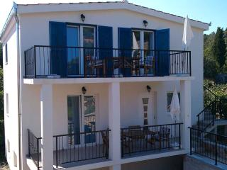 TISNO, Murter - House with 2 Apartments, 8+2 pers., Tisno