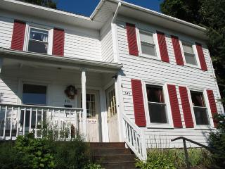 MADISON GUEST HOUSE: A GREAT SPACE IN DOWNTOWN WG, Watkins Glen