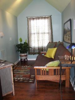 Sitting & TV area