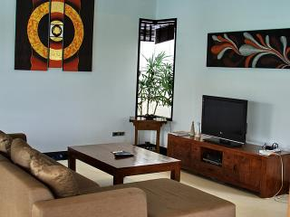 Villa Cannes - 2 bedroom Pool Villa with a short walk to Choeng Mon Beach