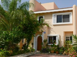 Bed & Breakfast Mom's house for those who like to, Puerto Aventuras