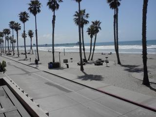 Front row, directly in front of the beach-AMAZING, Oceanside