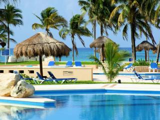 Lovely ground level condo in Villas del Mar, Puerto Aventuras