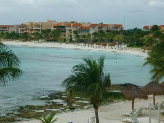 Lovely 1 bedroom condo with superb views!, Puerto Aventuras