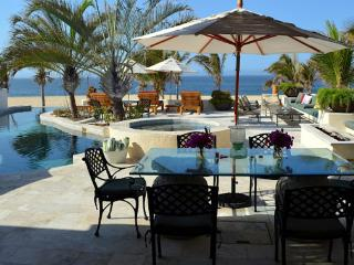 Villa Pacifica Pedregal – Beachfront 5 Bedroom Luxury Villa
