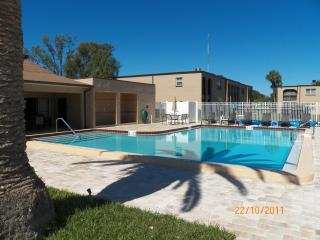 LARGO/SEMINOLE, FLORIDA 55 plus one bedroom condo, Seminole