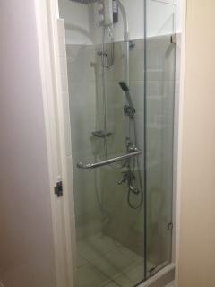 Shower Heater with Frameless Glass