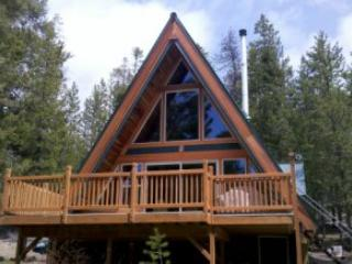Crescent Lake Cabin - Private, Secluded, on Water