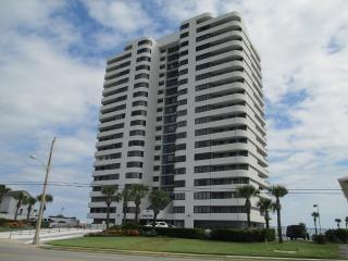 Horizons Oceanfront 3 bedroom 2 bath 8th floor, Daytona Beach