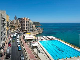 Exceptional St Julian's Seafront 4-Bedroom Apt