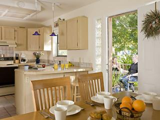 Kitchen/Dining Areas
