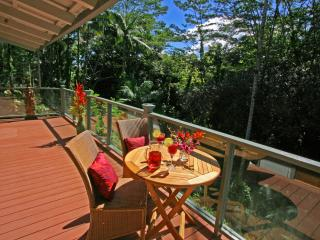 Waterfall Cottage - Mika Mizu, Hilo