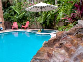Luxury 3BR/3BA, Private Heated Pool, Beach, Holmes Beach