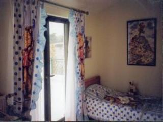 kid's bedroom top