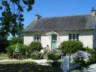 La Belle Maison, a charming detached country cottage with enclosed garden