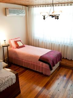 4th room-single bed bedroom- (3rd floor)