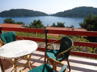 Sea Dream - beautiful aparment away from croud, Blato